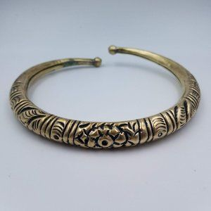 Jewelry - Vintage Brass Tone Hammered Floral Tube Collar
